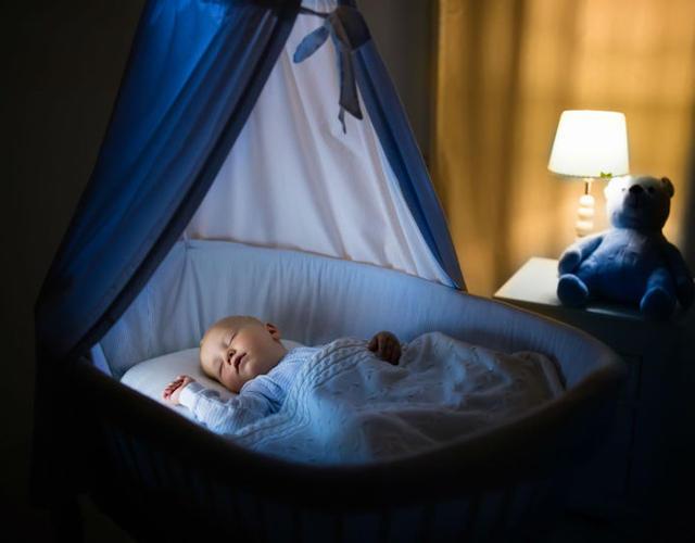 Ruido blanco para calmar y dormir al bebé