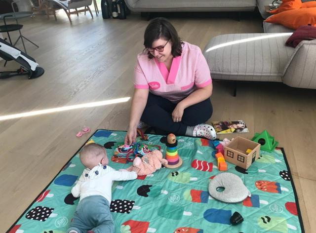 Salus una profesional para cuidar bebes