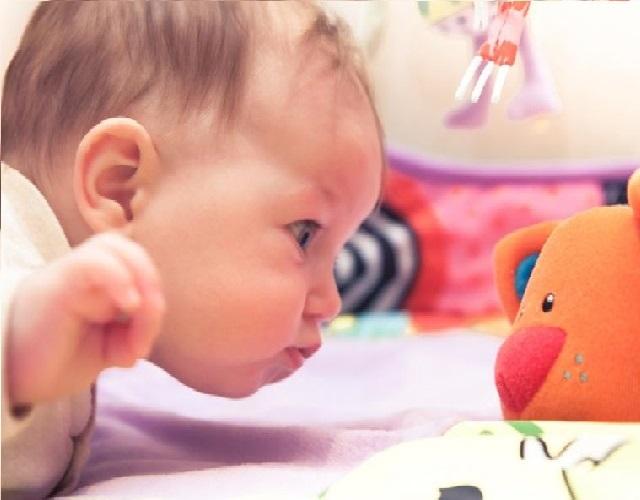 juegos para bebés de una semana