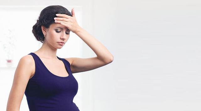¿Puede la presión arterial alta causar mareos en el embarazo?
