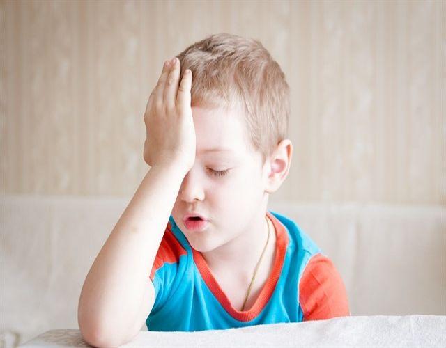 Dolor de cabeza en niños por problemas de visión