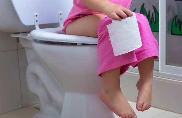 10 pasos para  enseñarles ir al baño
