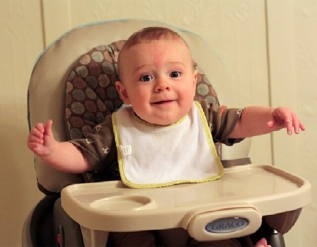 Sillas altas o periquera de bebé