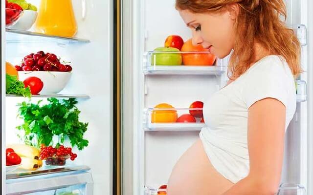 Embarazada y delgada