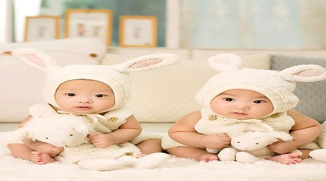 Cómo amamantar a gemelos