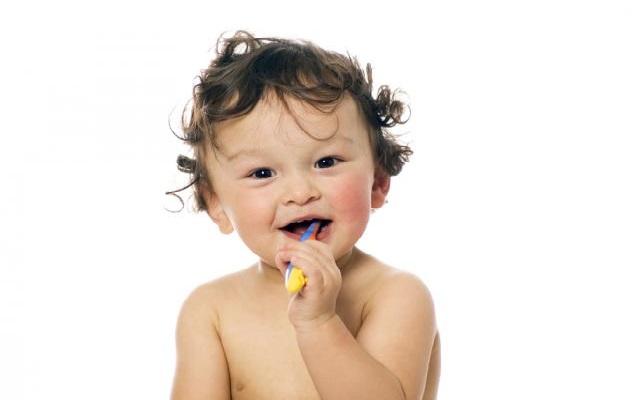limpiar los dientes