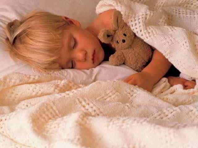 pasar el bebé a la cama