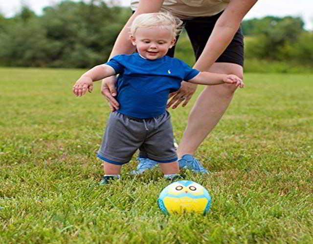 patear el balón juegos para bebés de 8 meses