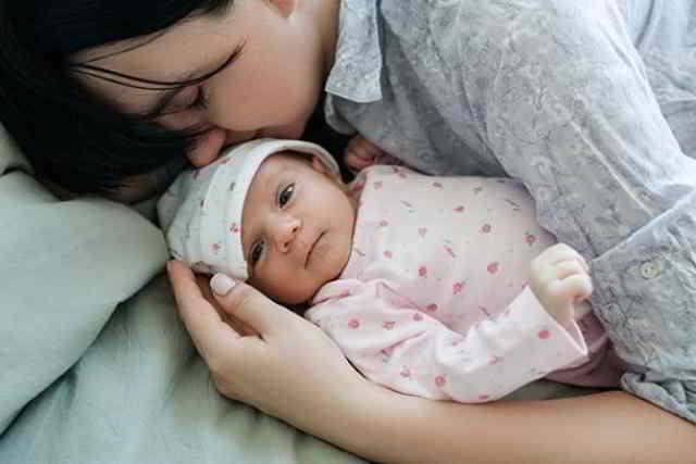forma adecuada de dormir con el bebé