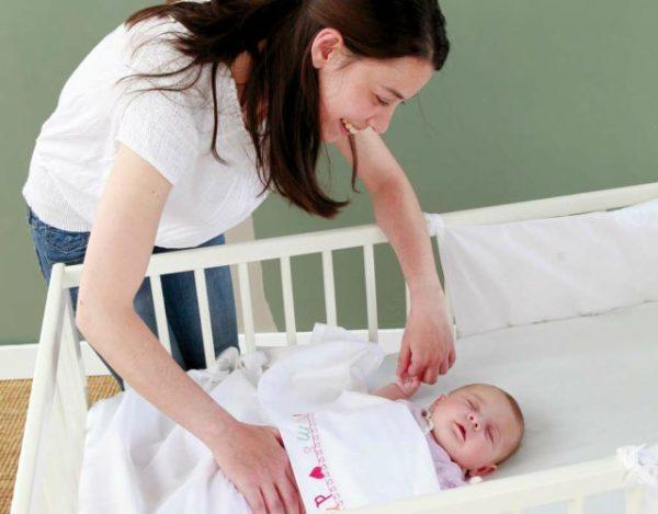 acostar a un bebé