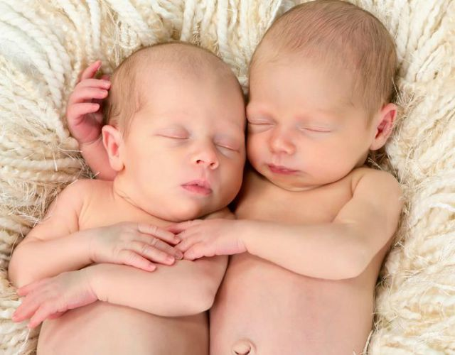 Partos naturales de gemelos