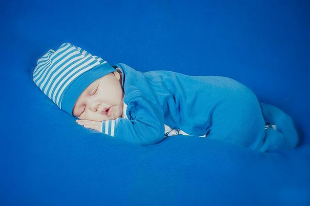 hábitos de sueño saludables para recién nacidos