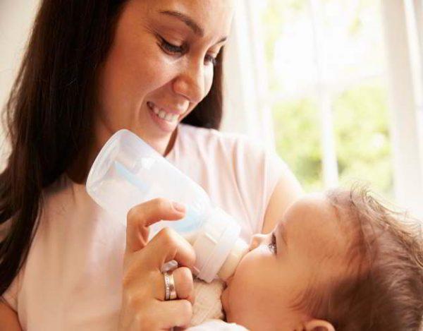 consejos para que tu bebé se adapte al biberón