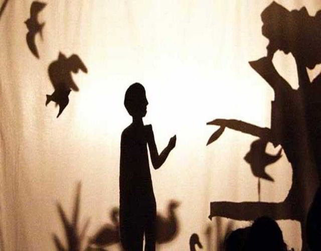 Teatro de sombras chino para perder el miedo a los monstruos