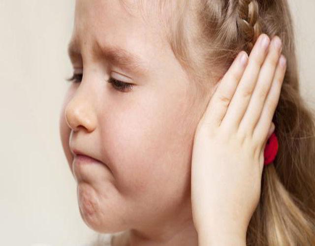 exceso de cera en los oídos de los niños