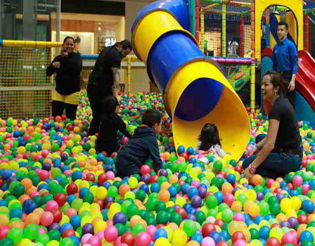 beneficios de las piscinas de bolas para niños 3
