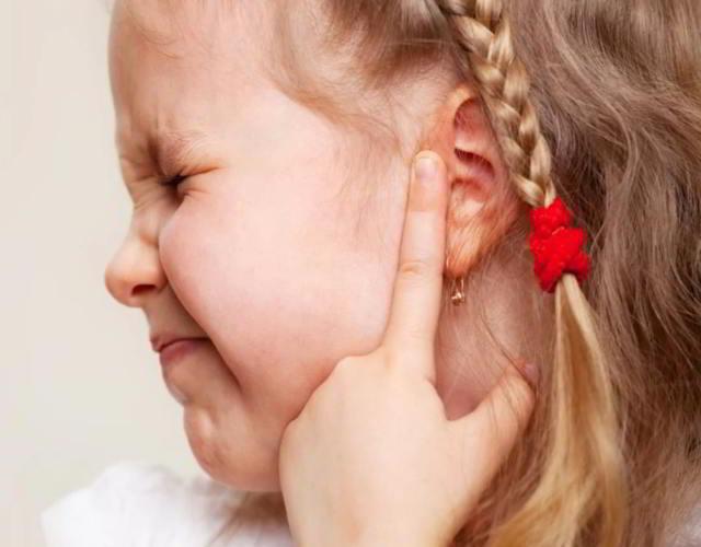 oidos tapados en niños y niñas