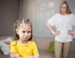10 frases para calmar un niño furioso