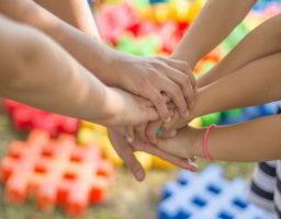 20 ejemplos para enseñar amistad en niños