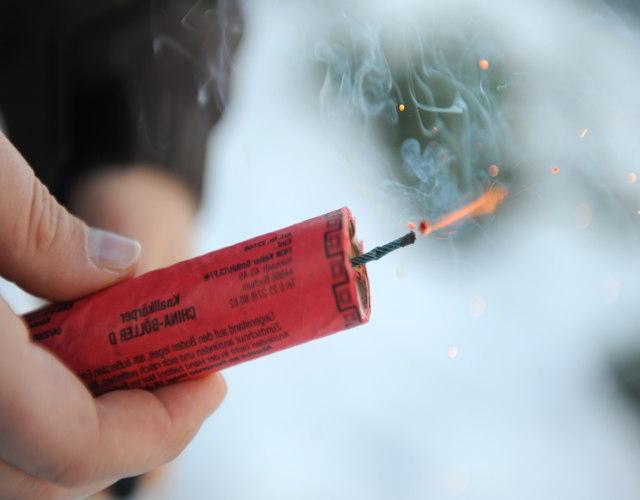 consejos para manipular fuegos artificiales