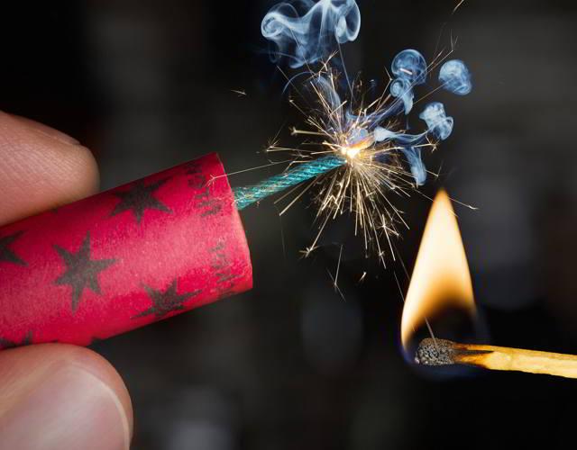 Peligros de los fuegos artificiales para los infantes