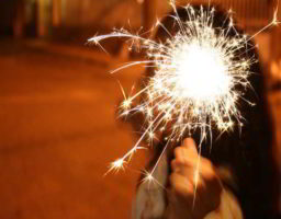 Peligros de los fuegos artificiales para los niños
