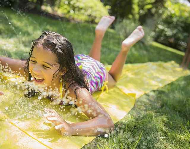 Juegos con agua para niños Pista de deslizamiento