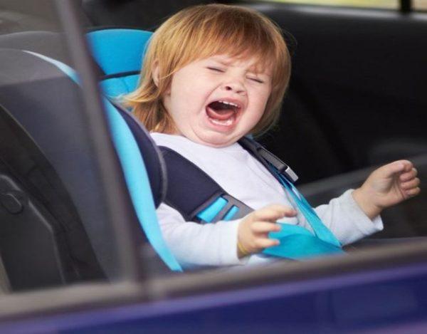 Consejos para que el bebé no llore en la sillita del coche