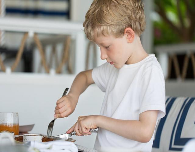Enseñar a comer bien a tu hijo