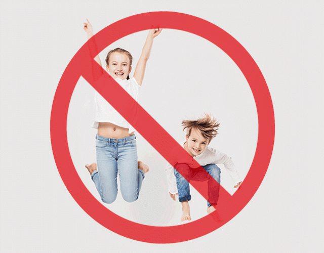 es buena idea prohibir la entrada de niños a restaurantes