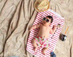 Qué llevar a la playa con tu bebé